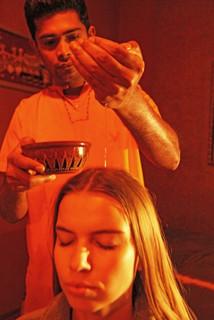 Ajruvédska masáž hlavy a šije Shirobhyanga