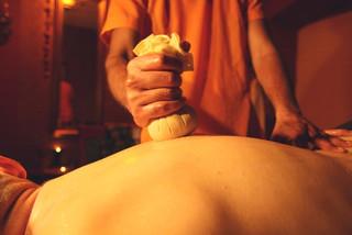 Masáž chrbta Podikizhi